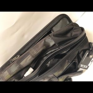 Tumi Bags - Tumi Morado sling pack